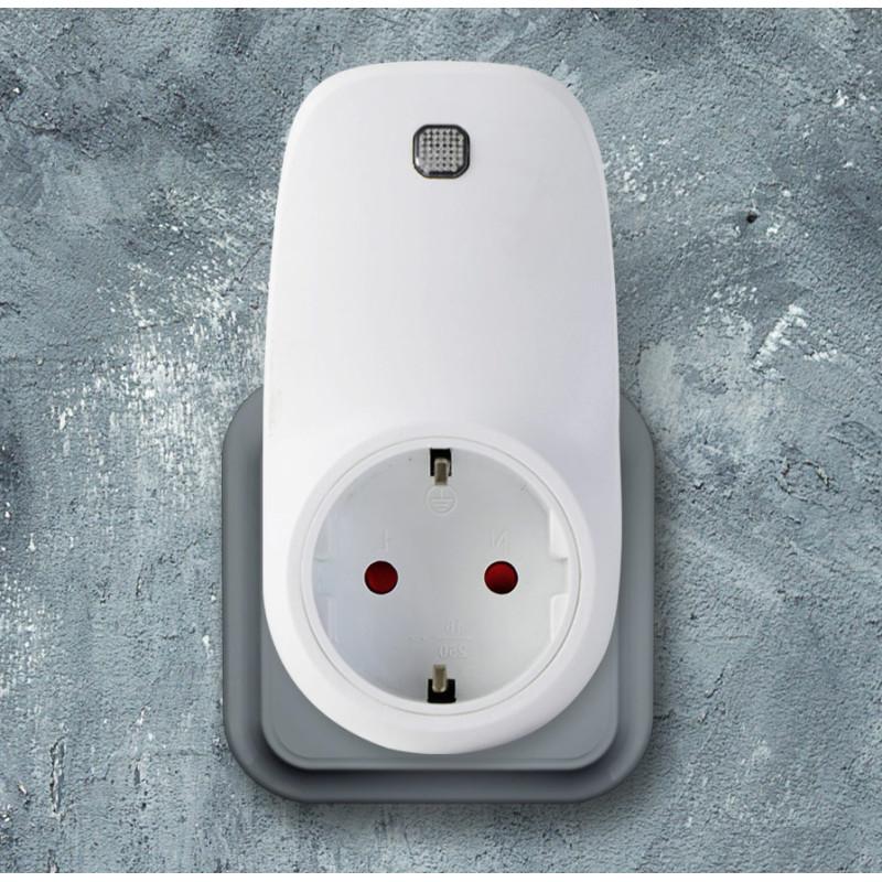 Zásuvkový termostat s Wifi ovládáním